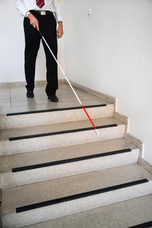 Stufenmarkierung für Sehbehinderte © Andrey Popov, fotolia.com