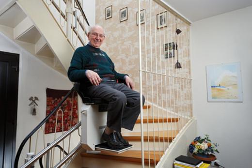 Treppensitzlift © Ingo Bartussek, fotolia.com